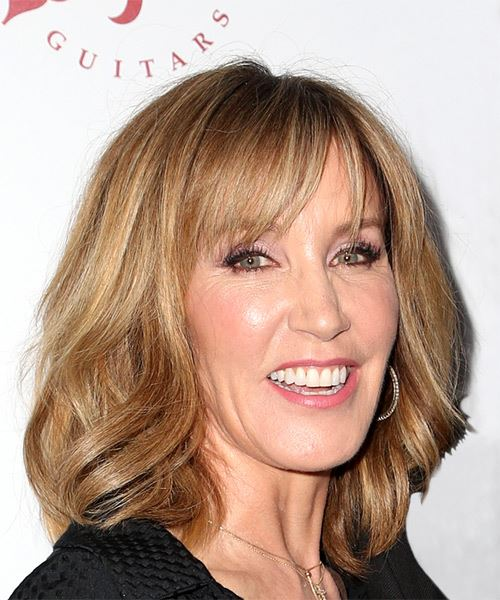 Felicity Huffman Medium Straight Casual    Hairstyle with Layered Bangs  - Dark Blonde Hair Color - Side on View