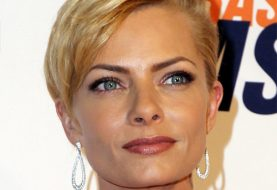 Jaime Pressly Short Straight Formal  Pixie  Hairstyle with Side Swept Bangs  -  Golden Blonde Hair Color
