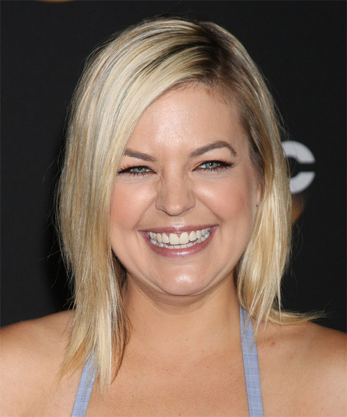 Kirsten Storms Medium Straight Casual Layered Bob  Hairstyle   - Light Blonde Hair Color