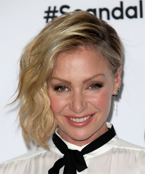 Portia De Rossi Medium Wavy Formal    Hairstyle   -  Blonde Hair Color