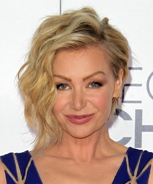 Portia De Rossi Short Wavy Casual    Hairstyle   -  Golden Blonde Hair Color with Light Blonde Highlights