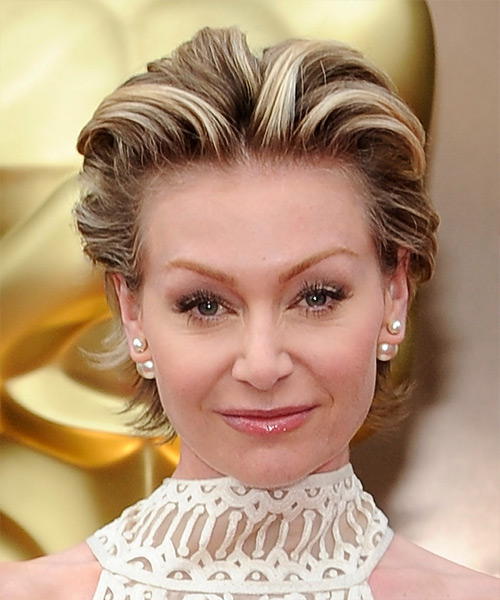 Portia De Rossi Short Straight Formal    Hairstyle   -  Chestnut Brunette Hair Color with Light Blonde Highlights