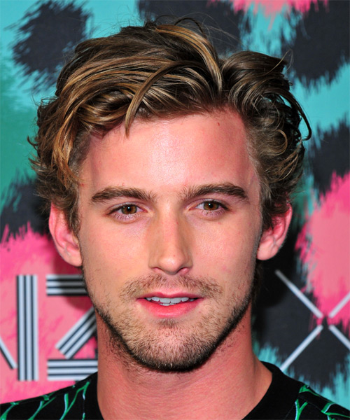 R J King Short Wavy Casual    Hairstyle