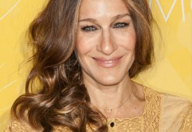 Sarah Jessica Parker Long Wavy Casual    Hairstyle   -  Chestnut Brunette Hair Color with Dark Blonde Highlights