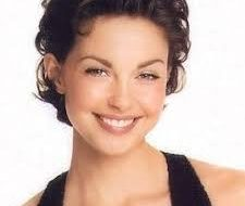Ashley Judd Hairstyles